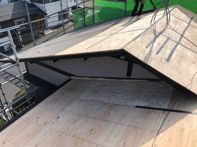 屋根の下地材