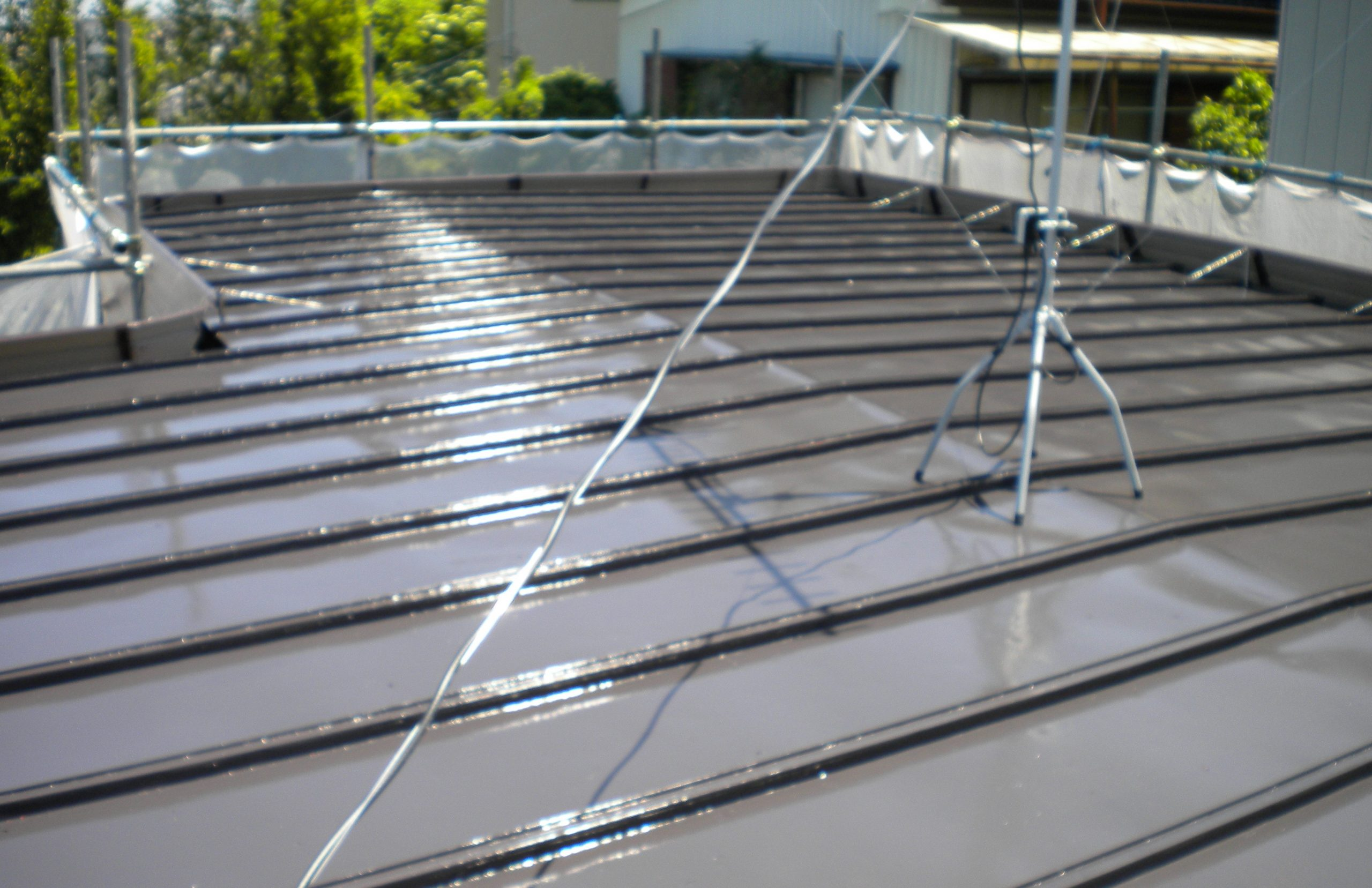 【取手市】塗装が剥がれてボロボロのトタン屋根を塗装工事