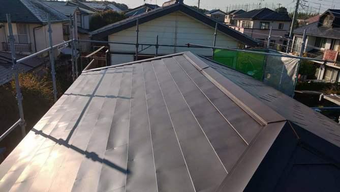 カバー工法でガルバリウム鋼板の屋根